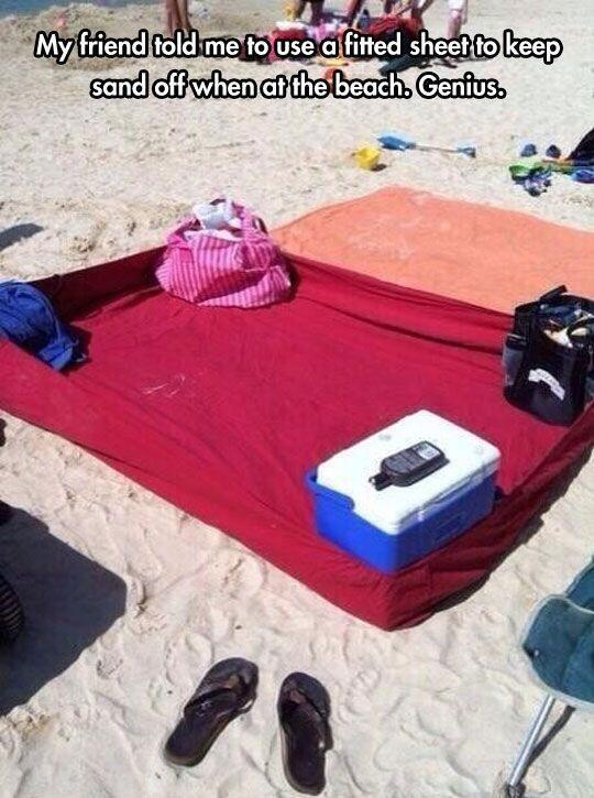 Using-a-Fitted-Sheet-at-the-Beach