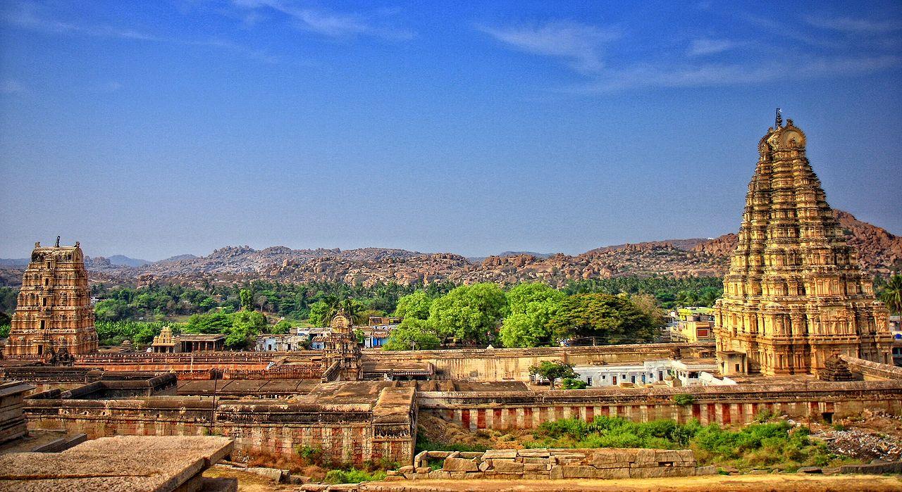 1280px-Hampi_virupaksha_temple